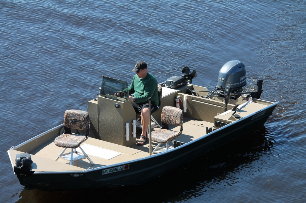 Affordable boat rentals minnesota fishing family vacation for Fishing boat rental mn