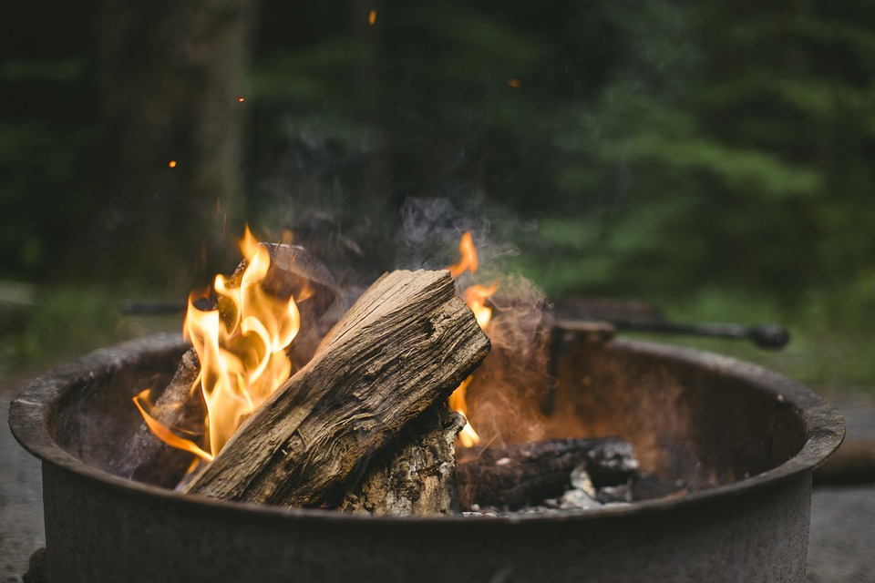 Campfire Games That Are Fun For All Ages